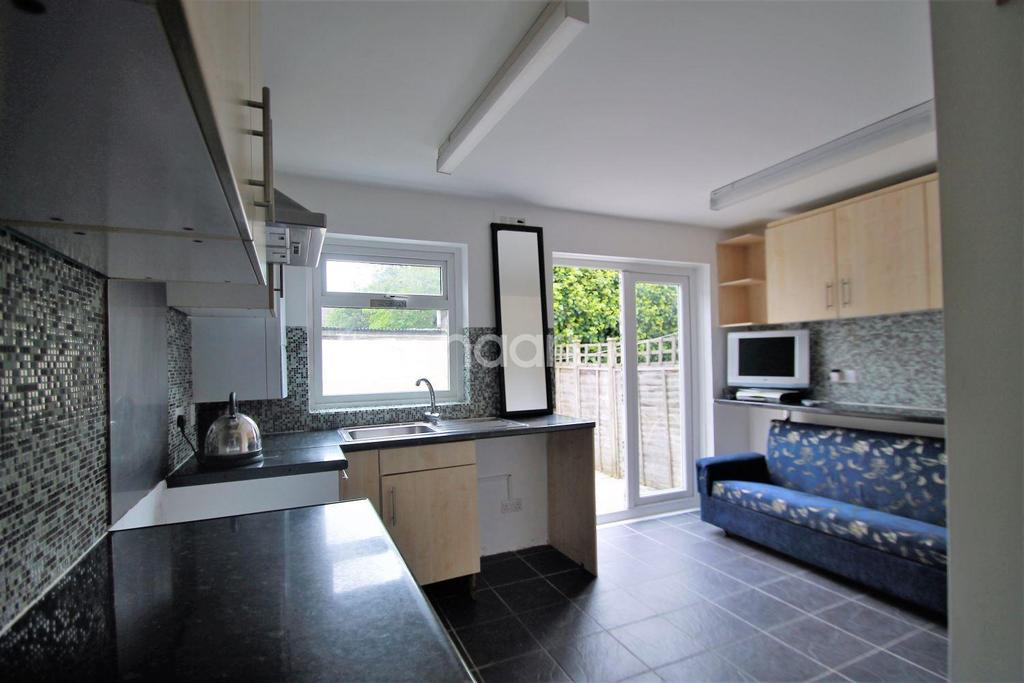 3 Bedrooms End Of Terrace House for sale in Hartington Road, Walthamstow