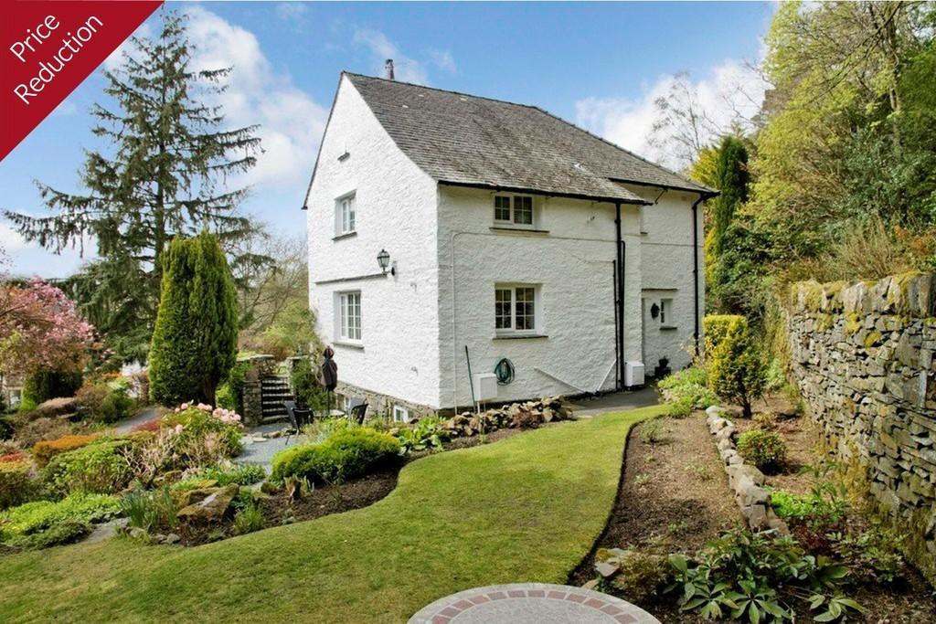 2 Bedrooms Ground Flat for sale in Flat 1, Brackenfold, The Hoo Lane, Ambleside Road, Windermere, Cumbria, LA23 1NF