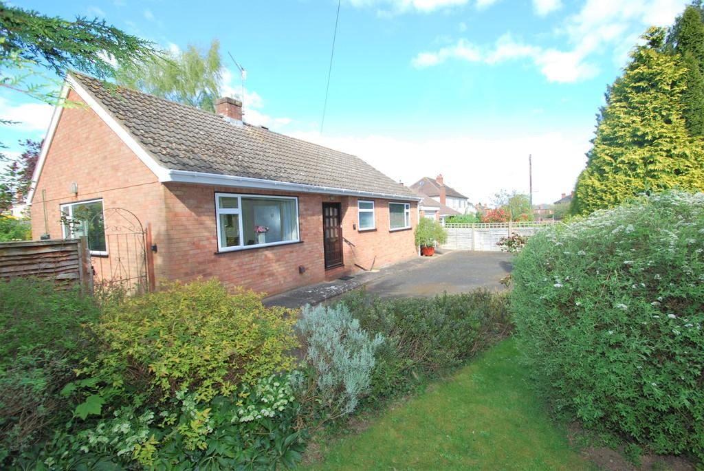 2 Bedrooms Detached Bungalow for sale in Farley Road, Malvern