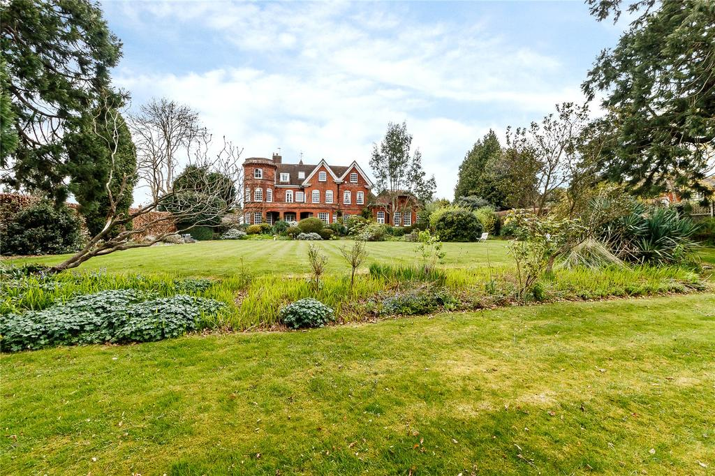 1 Bedroom Flat for sale in Summersbury Hall, Summersbury Drive, Shalford, Guildford