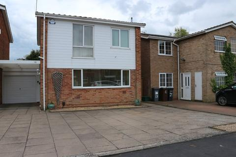3 bedroom detached house to rent - Wharton Avenue, Solihull