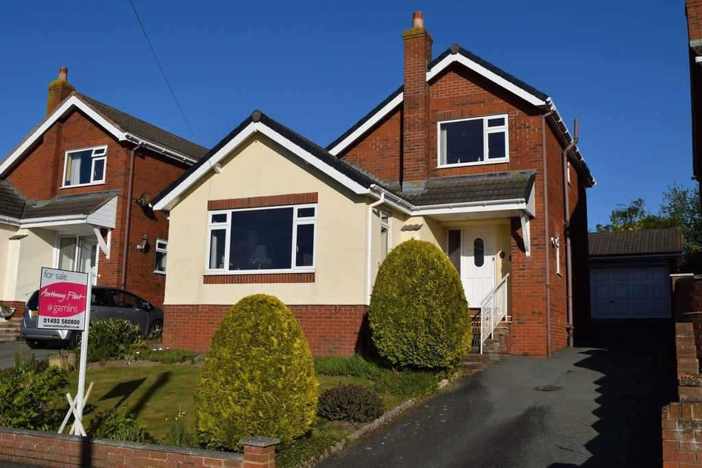 3 Bedrooms Detached House for sale in Ffordd Naddyn, Glan Conwy