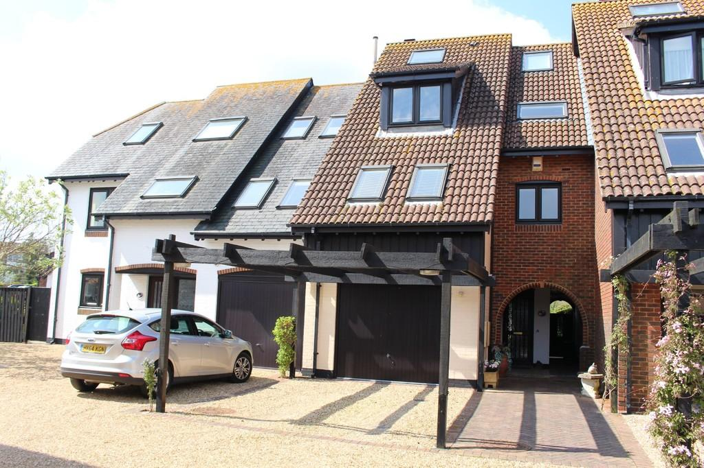 4 Bedrooms Terraced House for sale in Astra Court, Hythe Marina Village, Hythe