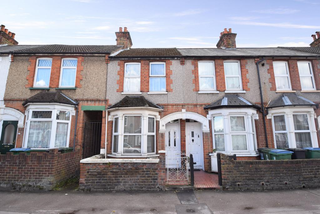 3 Bedrooms Terraced House for rent in CLOSE TO MET STATION HOSPITAL