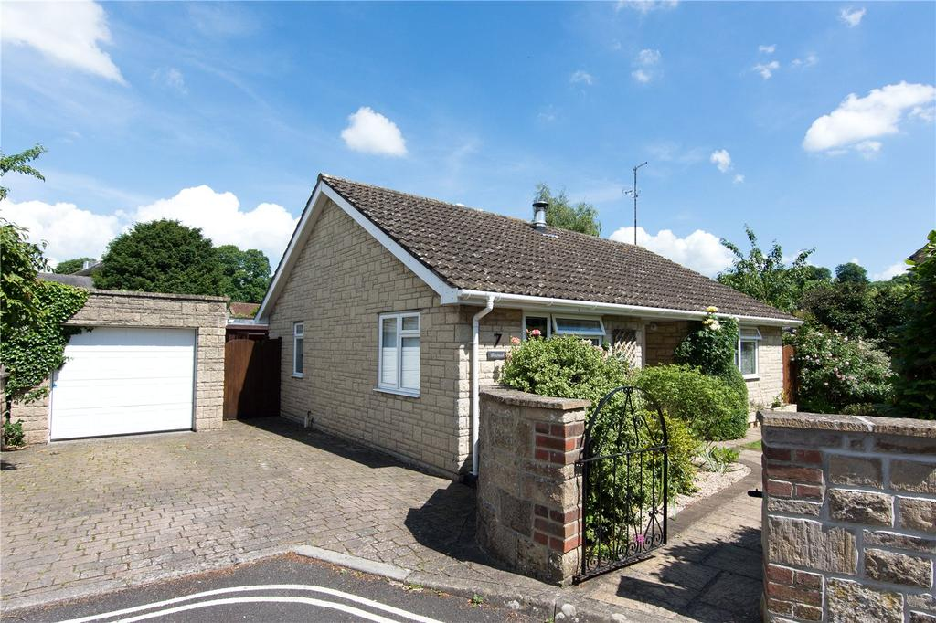 2 Bedrooms Bungalow for sale in Pageant Drive, Sherborne, DT9