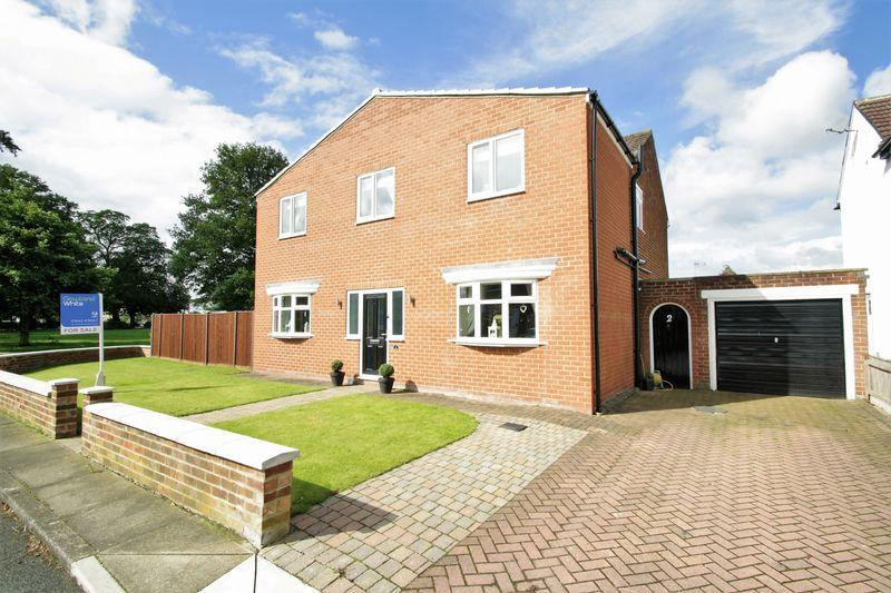 4 Bedrooms Detached House for sale in Whitehouse Drive, Stockton, TS19 0QE