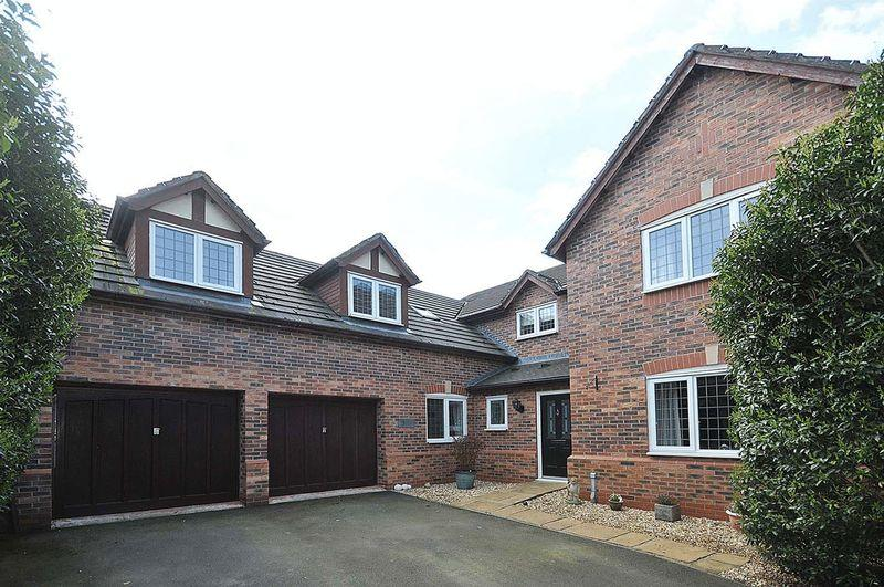 5 Bedrooms Detached House for sale in Daisy Close, Pickmere