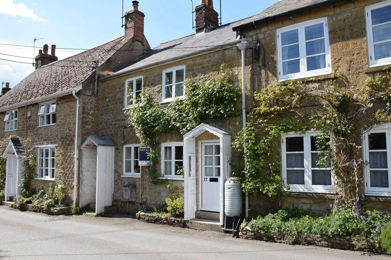 2 Bedrooms Cottage House for sale in EAST STREET, BEAMINSTER, DORSET
