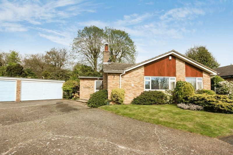 3 Bedrooms Detached Bungalow for sale in EWELL