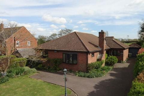 4 bedroom detached bungalow for sale - West Farleigh