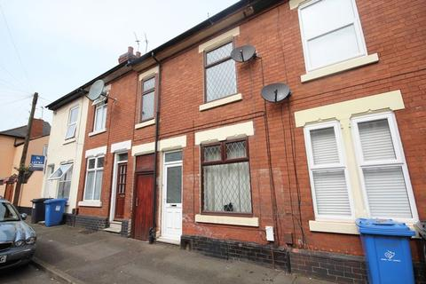 4 bedroom terraced house to rent - LYNTON STREET, DERBY