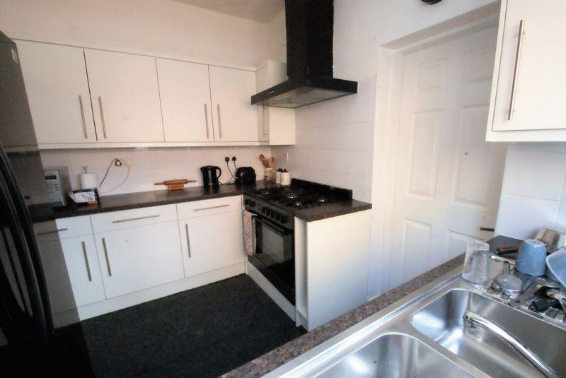 5 Bedrooms Terraced House for sale in Lothian Road, Middlesbrough