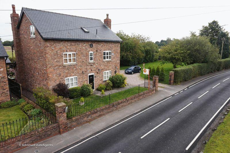 6 Bedrooms House for sale in Paddock Lane, Lymm
