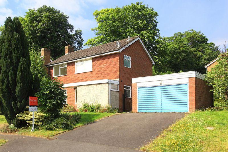 4 Bedrooms Detached House for sale in TETTENHALL, Redacres