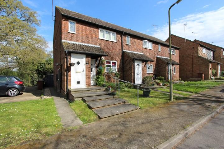 1 Bedroom Flat for sale in Gowar Field, South Mimms, Potters Bar