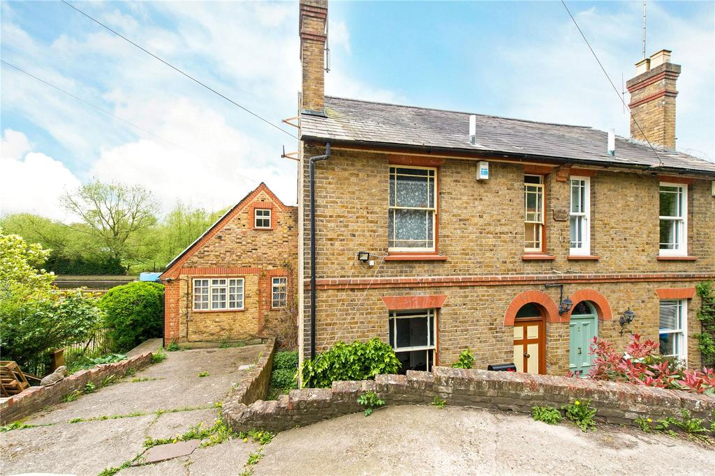 3 Bedrooms Semi Detached House for sale in Noakes Cottage, Springwell Lane, Rickmansworth, Hertfordshire, WD3