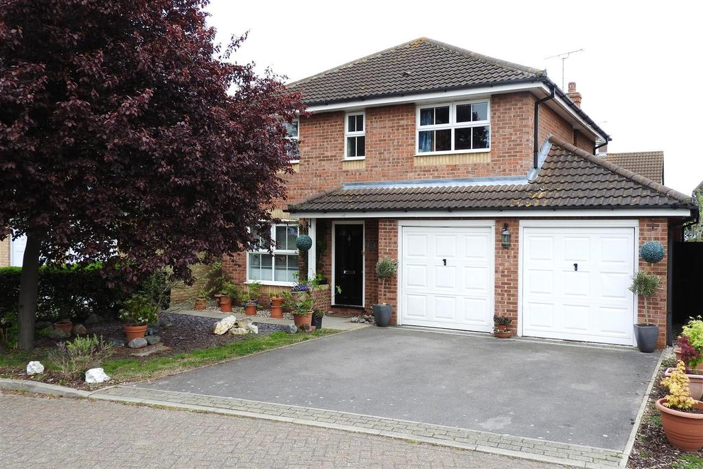 4 Bedrooms Detached House for sale in Tern Close, Mayland, Chelmsford