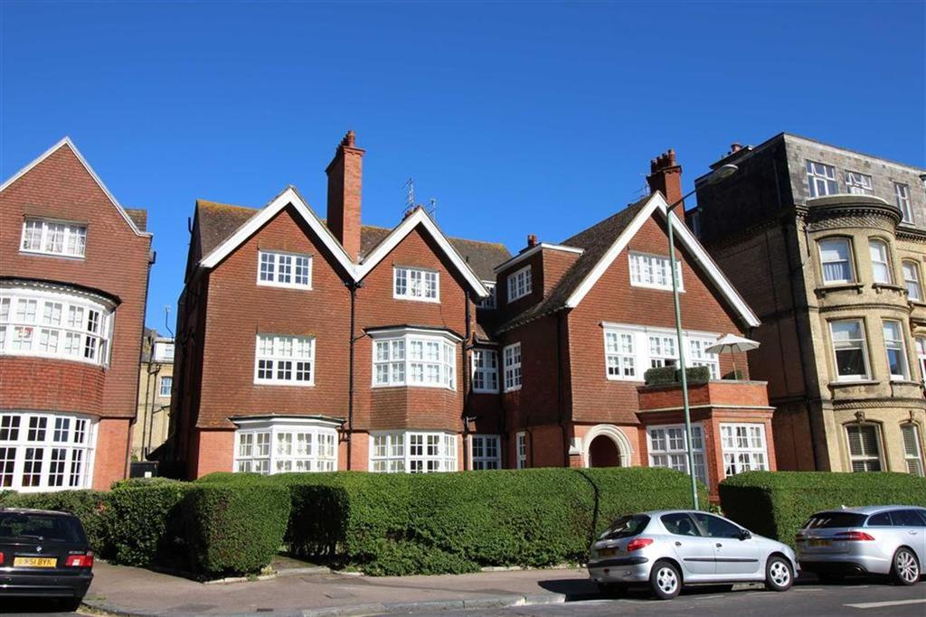 2 Bedrooms Apartment Flat for sale in Grand Avenue, Hove, East Sussex