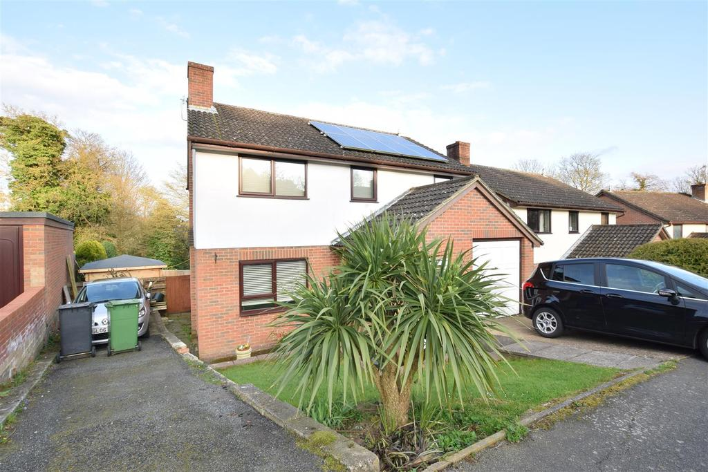 4 Bedrooms Detached House for sale in Marcus Gardens, St. Leonards-On-Sea