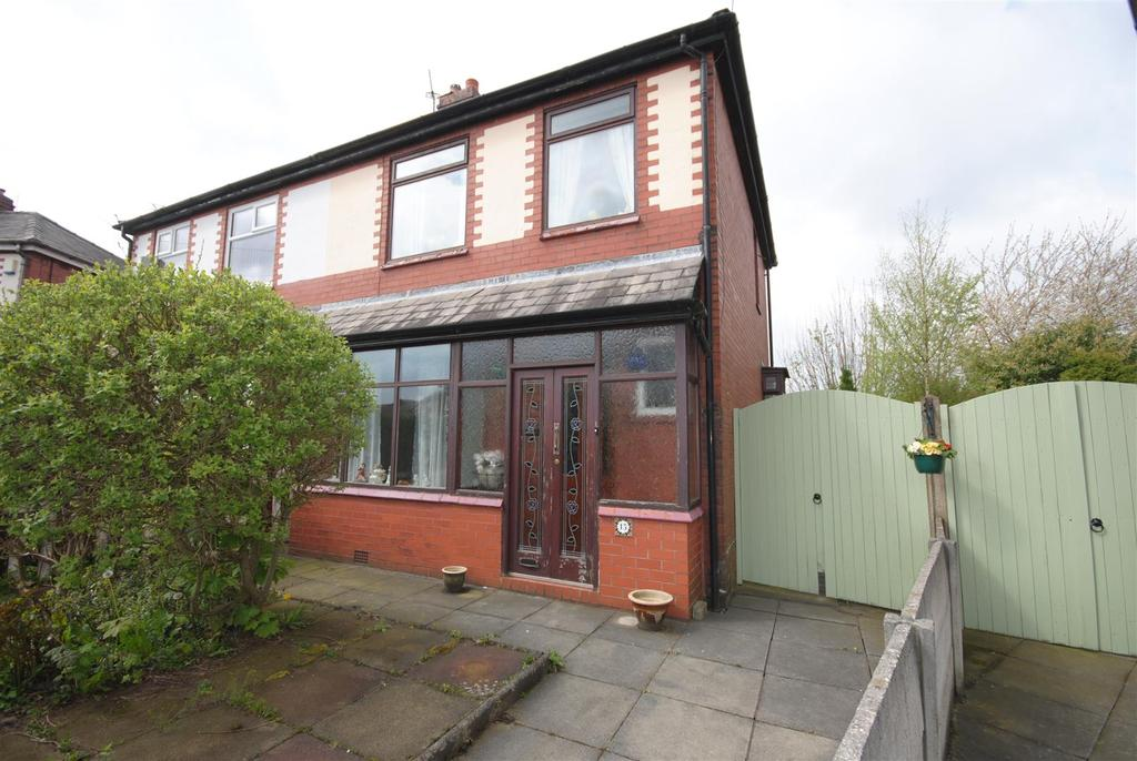 3 Bedrooms Semi Detached House for sale in Heeley Street, Wigan