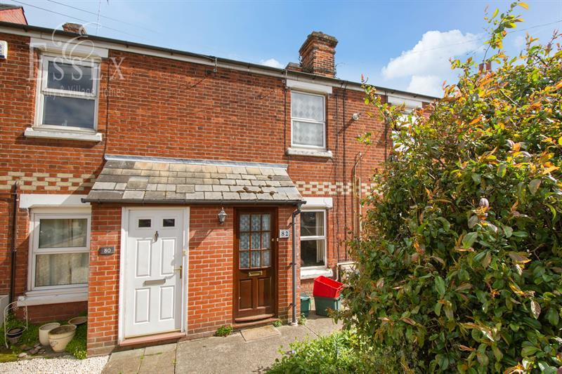 2 Bedrooms Terraced House for sale in Colchester Road, Lawford, Manningtree