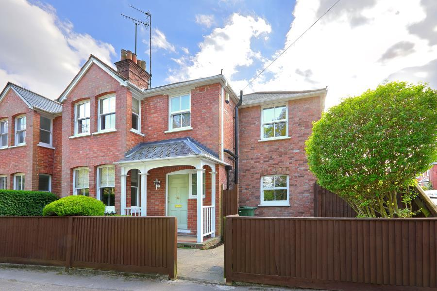 4 Bedrooms Semi Detached House for sale in Sunninghill, Berks