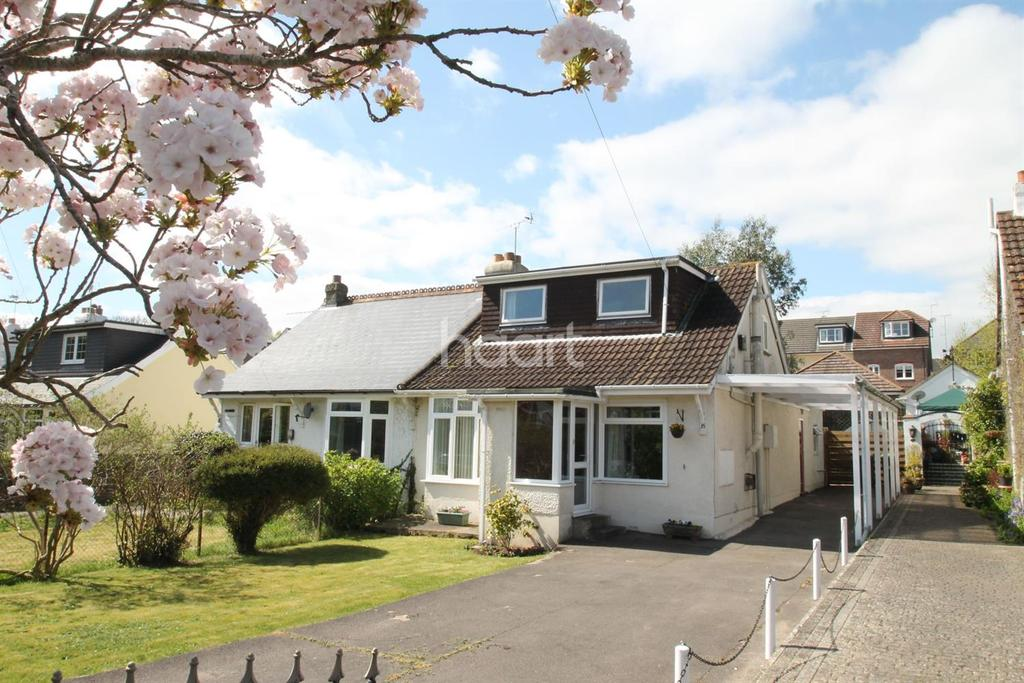 2 Bedrooms Bungalow for sale in Frogmore Lane, Lovedean, Hampshire