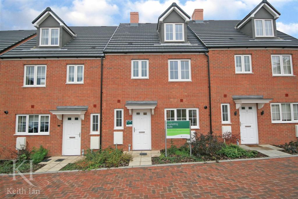 4 Bedrooms Terraced House for sale in Scotts Road, Ware Southside