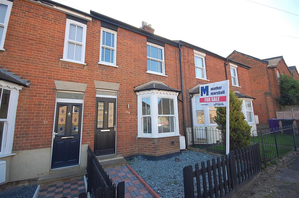 3 Bedrooms Terraced House for sale in Dacre Road, Hitchin