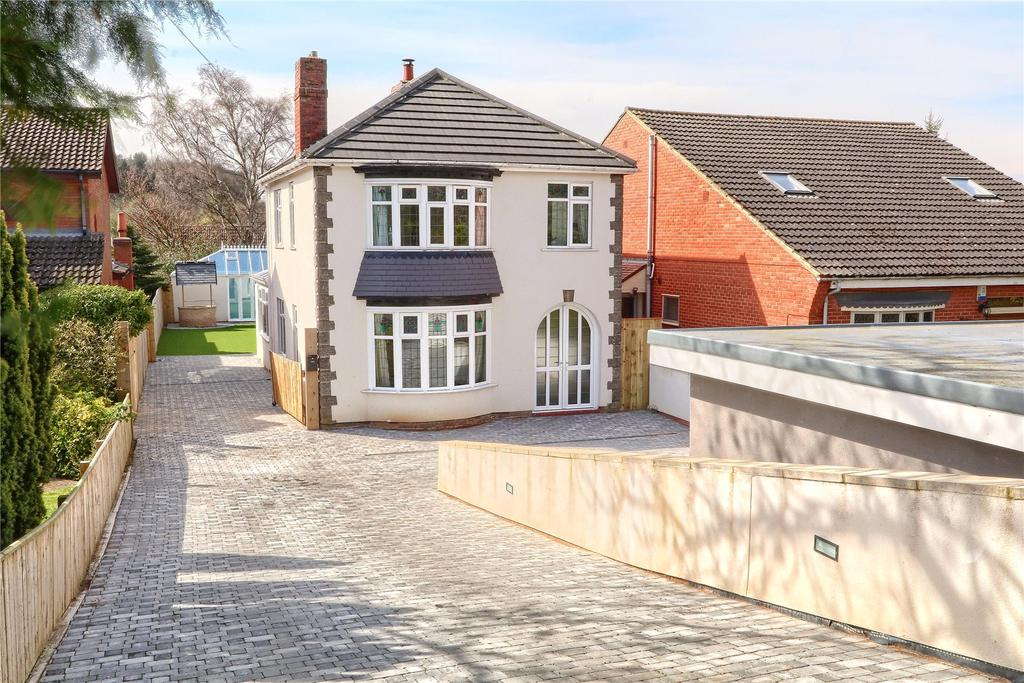 4 Bedrooms Detached House for sale in Ormesby Bank, Middlesbrough