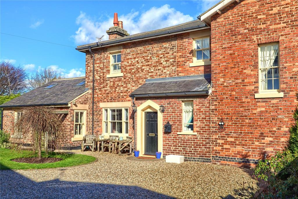 4 Bedrooms Detached House for sale in Railway Cottages, Nunthorpe