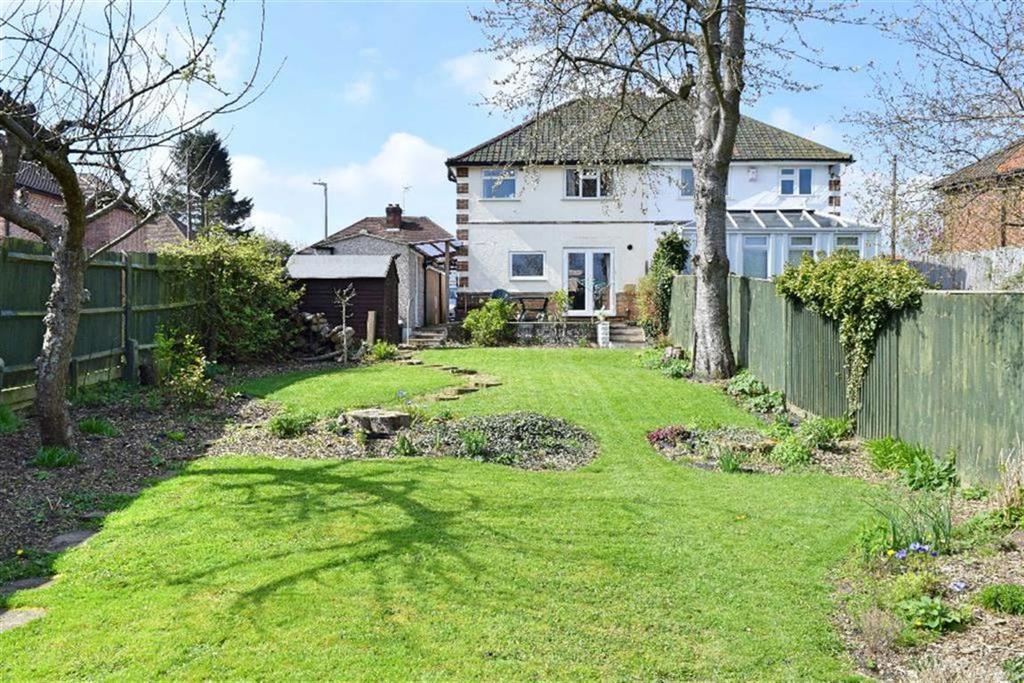 3 Bedrooms Semi Detached House for sale in Wickenden Road, Sevenoaks, TN13