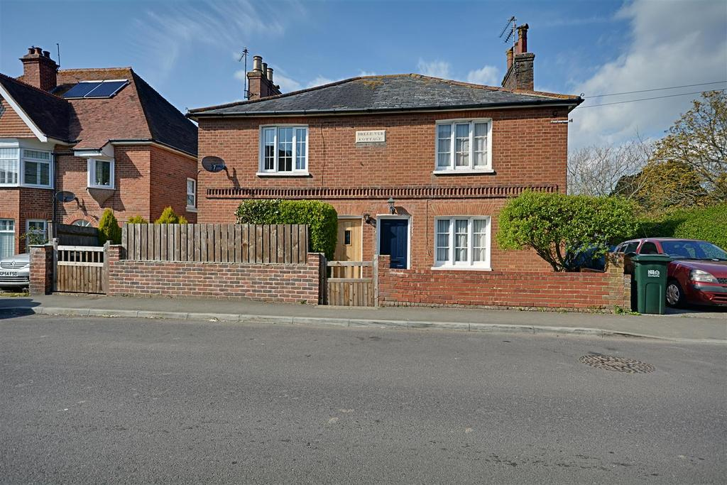 2 Bedrooms Semi Detached House for sale in Barrack Road, Bexhill-On-Sea