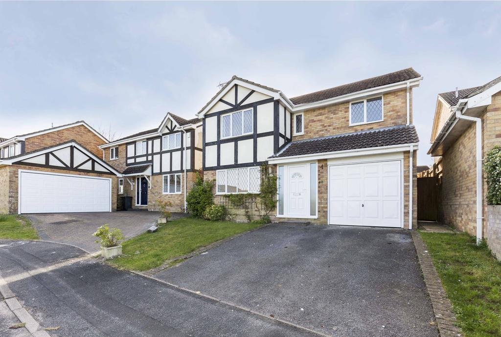4 Bedrooms Detached House for sale in Wessex Road, Clanfield PO8
