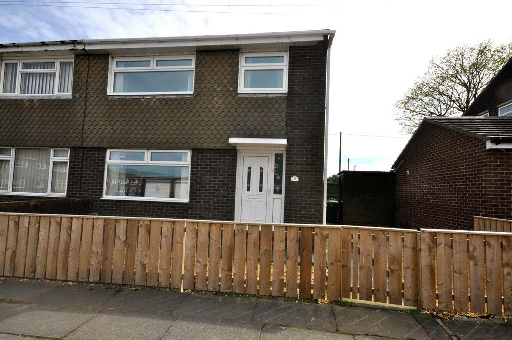 3 Bedrooms Semi Detached House for sale in Trident Road, Sunderland
