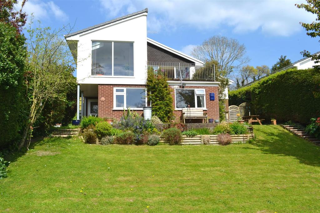 4 Bedrooms Detached House for sale in Valley View, Landkey, Barnstaple
