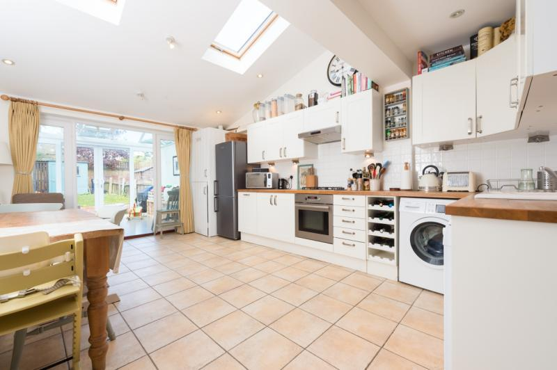 3 Bedrooms Terraced House for sale in Stapleton Road, Headington, Oxford, Oxfordshire