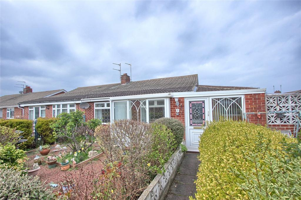 2 Bedrooms Semi Detached Bungalow for sale in Dudley Walk, Redcar