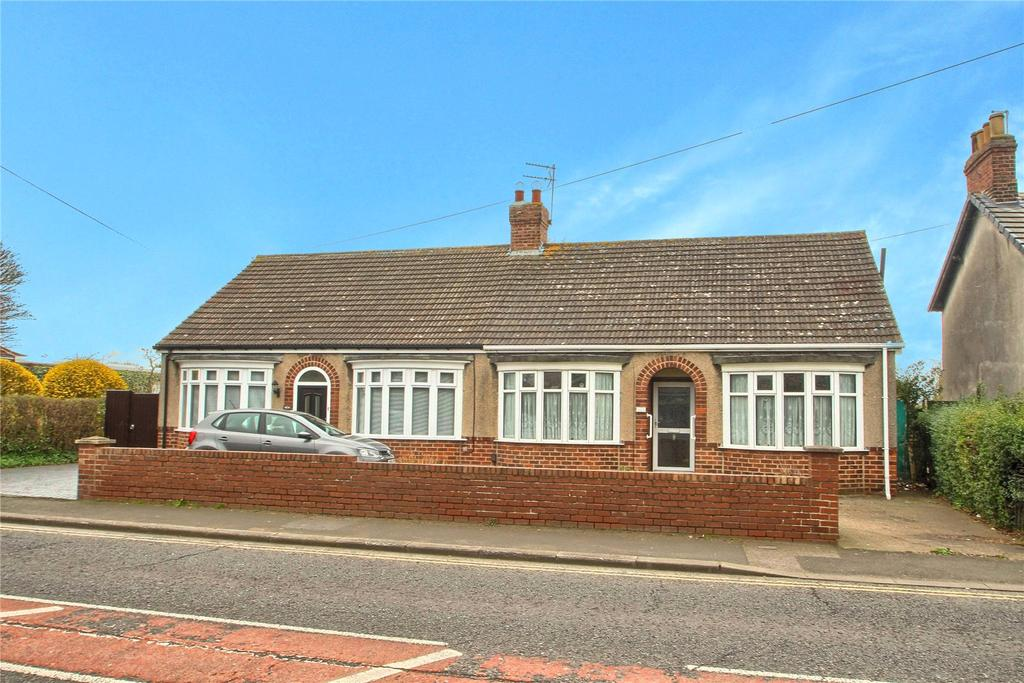 2 Bedrooms Semi Detached Bungalow for sale in Thornaby Road, Thornaby