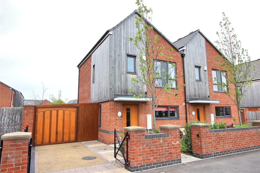 2 Bedrooms Semi Detached House for sale in Upper Albion Street, South Bank