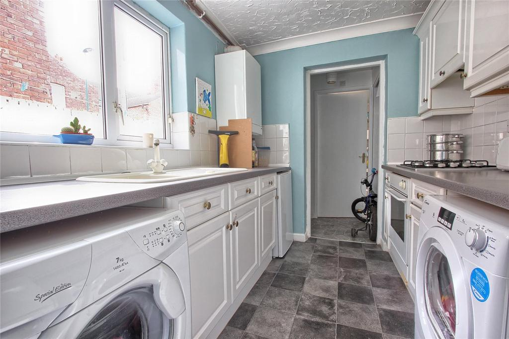 3 Bedrooms Terraced House for sale in George Street, Redcar