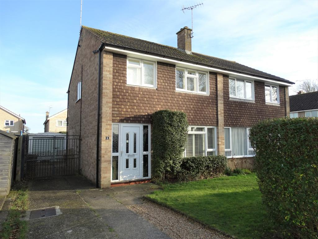 3 Bedrooms Semi Detached House for sale in Westmorland Drive, Felpham