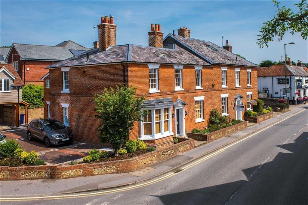 3 Bedrooms Apartment Flat for sale in West Street, Farnham, Surrey