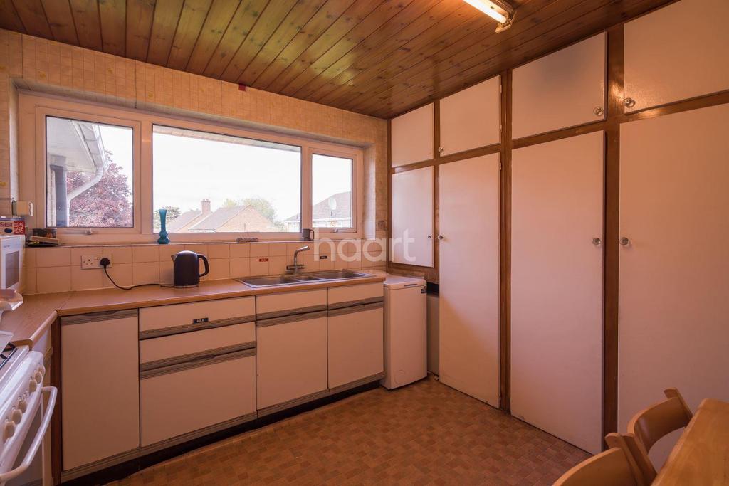 3 Bedrooms Maisonette Flat for sale in Salmon Street, London