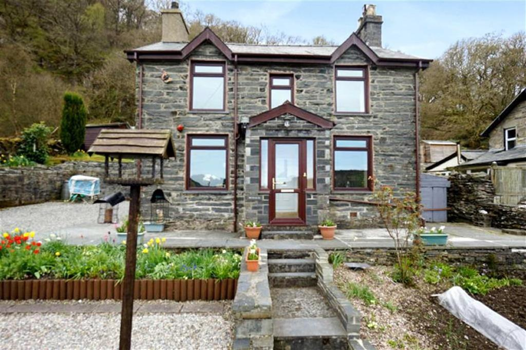 3 Bedrooms Detached House for sale in Tan Y Benar, Dolwyddelan, Conwy