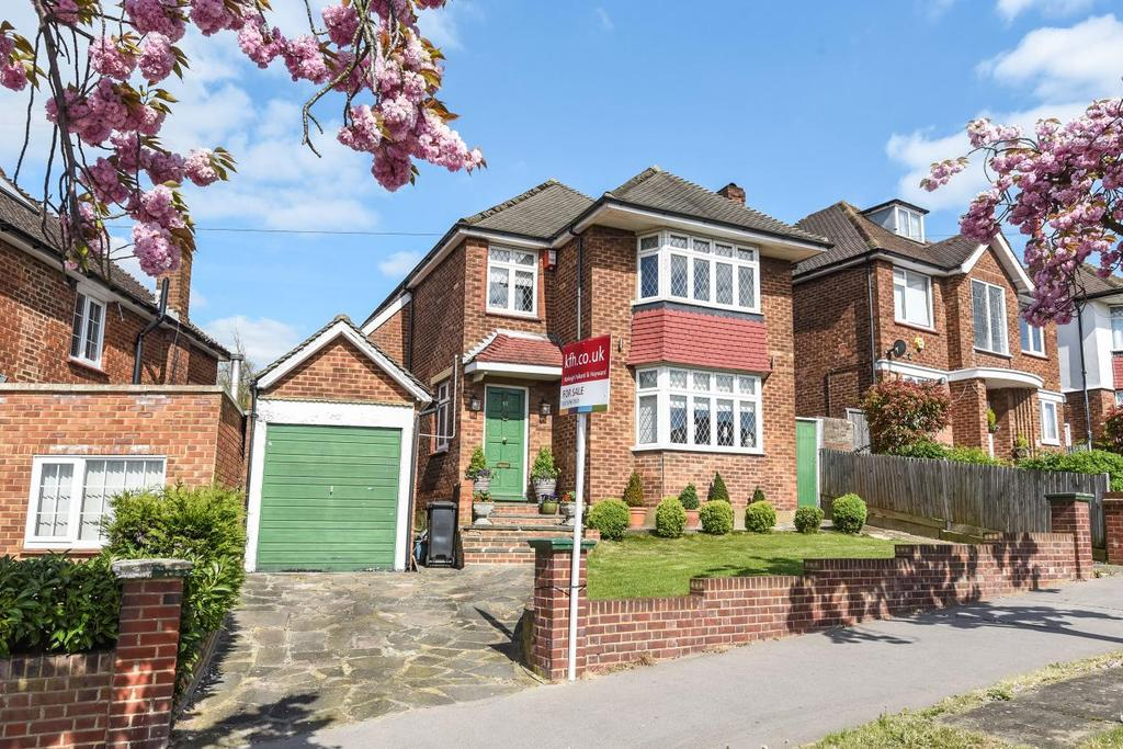 3 Bedrooms Detached House for sale in Waddington Way, Crystal Palace