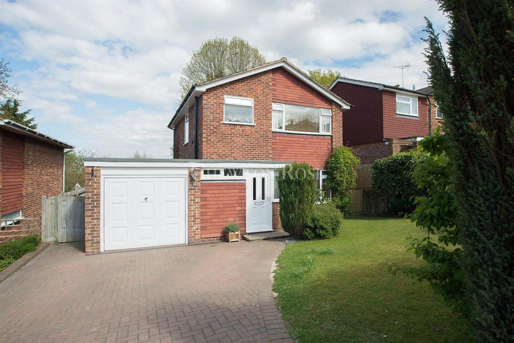 3 Bedrooms Detached House for sale in Wadhurst, East Sussex. TN5