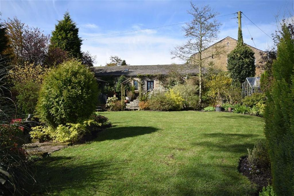 2 Bedrooms Detached Bungalow for sale in Birchenlee Lane, Colne, Lancashire