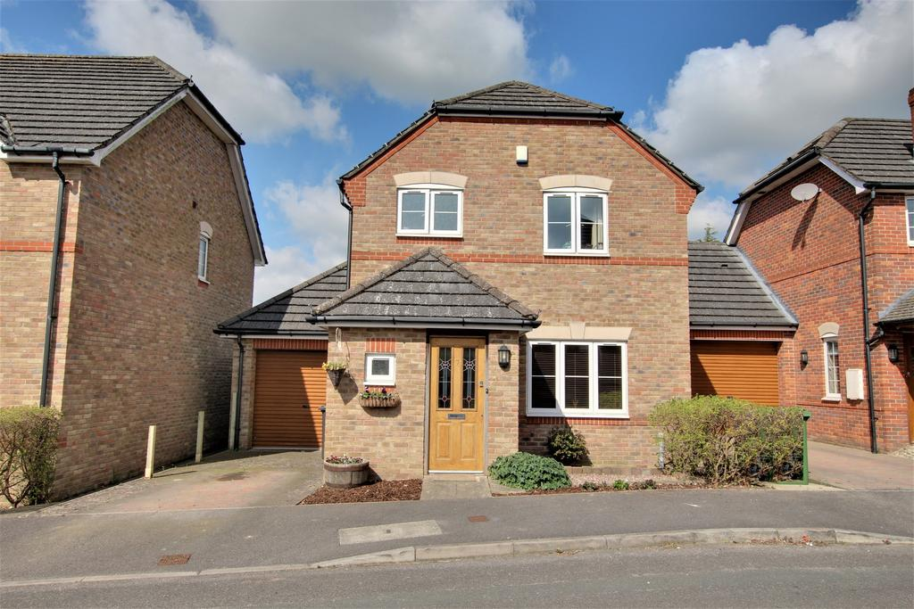 3 Bedrooms Detached House for sale in CLANFIELD