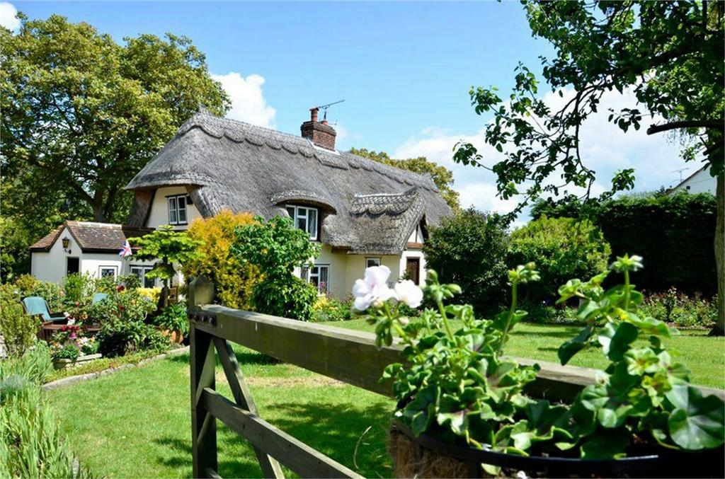 4 Bedrooms Detached House for sale in The Old Cottage, Cutlers Green, Thaxted